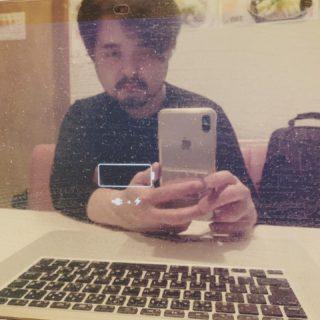 MacBook が全く起動しない… はれこれ2時間格闘中…😭
